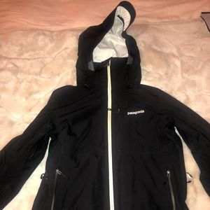 Patagonia goretex women's ski/snowboard jacket